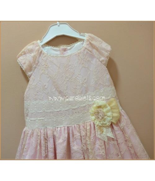Camisa rosa con cuello bebe y volante