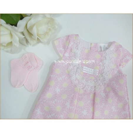 Vestido rosa con estampado floral