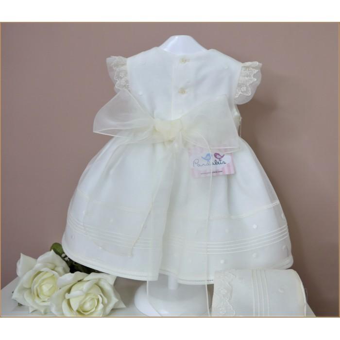 Vestido blanco con detalles en coral
