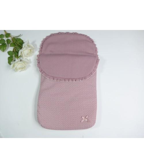 Abrigo acolchado rosa empolvado con capucha